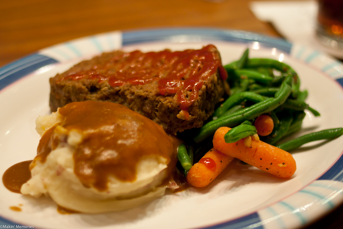 50's Prime Time Cafe - Mom's Meatloaf