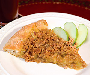 Apple-Cobbler Pizza