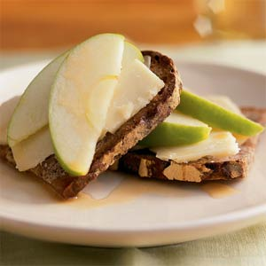 Cheddar Apple Nut Bread