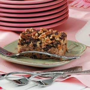 Chocolate Chip Date Cake