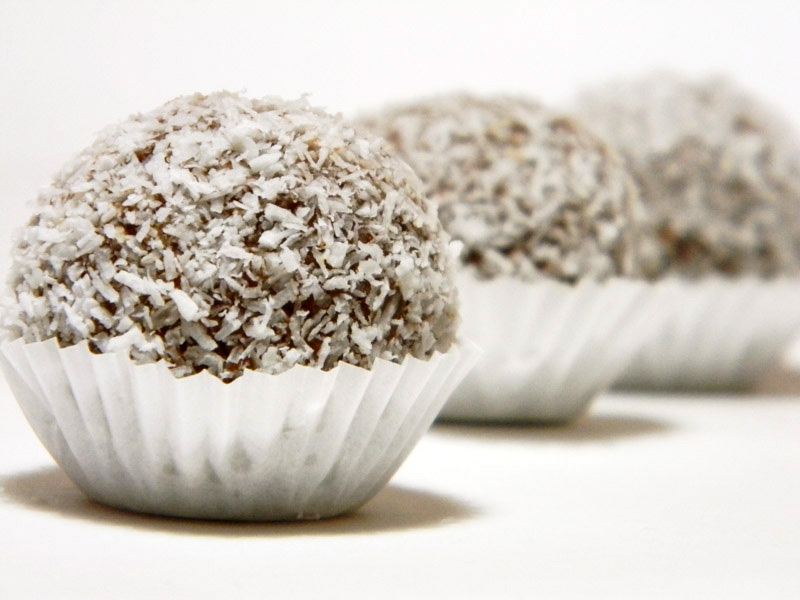 Coconut-Chocolate Truffles