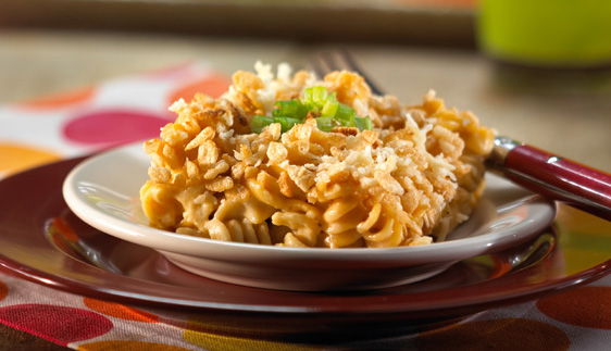 Creamy Macaroni and Cheese with Parmesan Crunch Topping