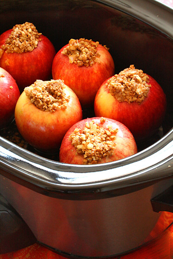 Crock Pot Baked Apples with raisins