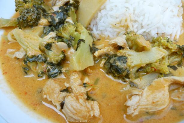 Curry Chicken With Broccoli