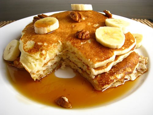 Easy, Delicious Banana Pancakes