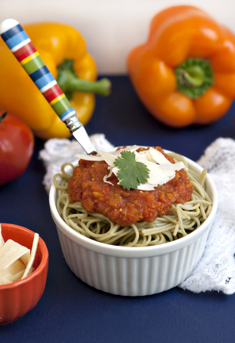 Easy Pasta with Bell-Pepper and Tomatoes