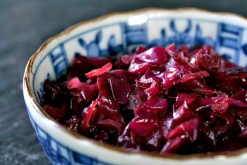 Easy Sweet and Sour Red Cabbage Saute