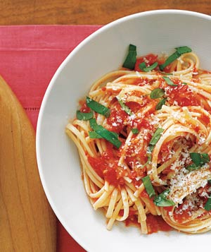 fresh tomato and garlic pasta sauce