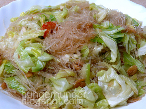 Fried Noodles and Cabbage