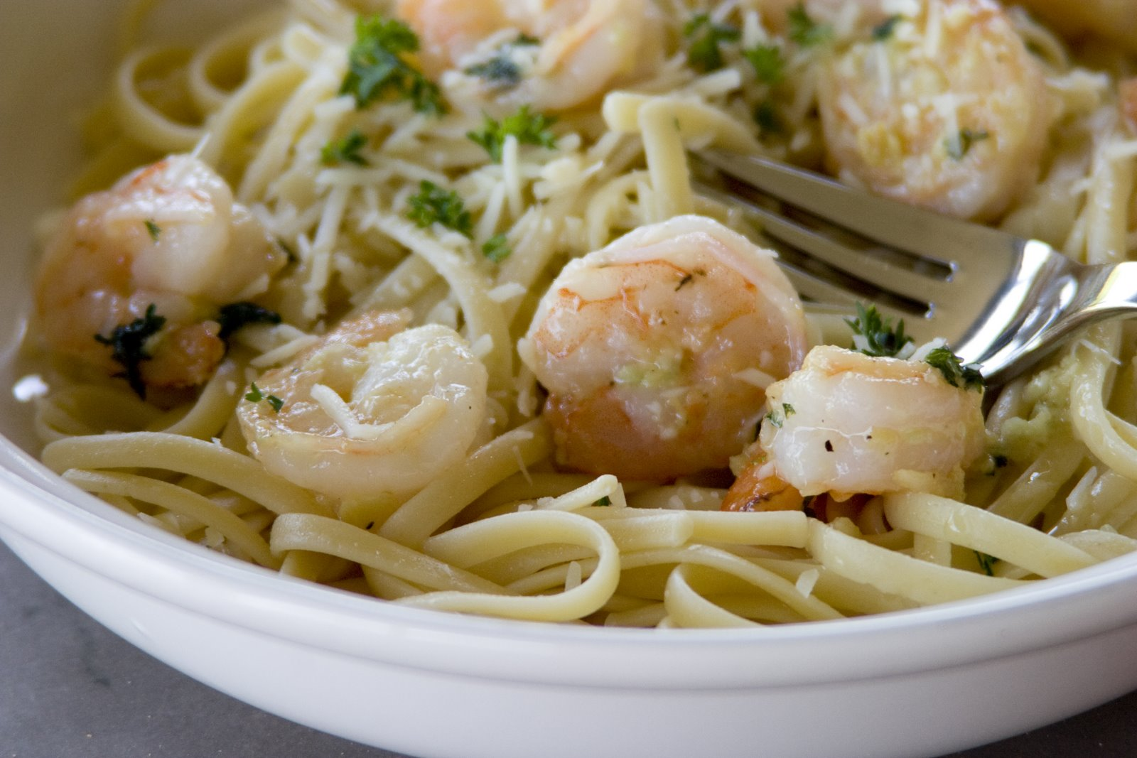 Garlicky Shrimp and Linguini