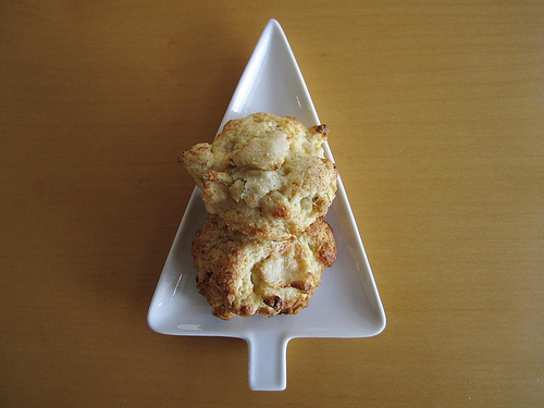 Granny Smith Apple-Cheddar Scones