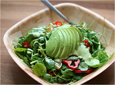 Green Salad With Spinach, Artichokes and Avocado