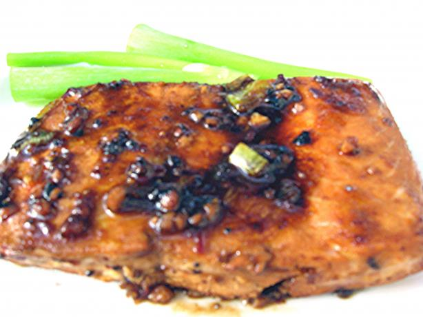 Grilled Salmon With Hot Red Sauce