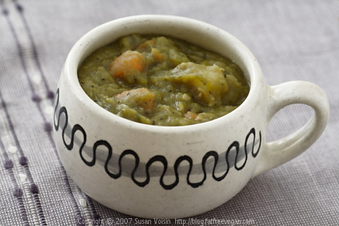 Hearty Split Pea Soup (No Meat).