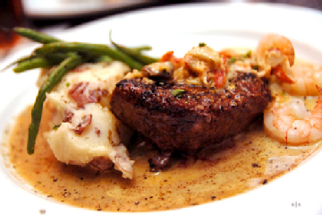 Low Carb Sirloin Steak With Queso Shrimp Sauce