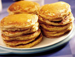 Low Fat Whole Wheat Banana Pancakes