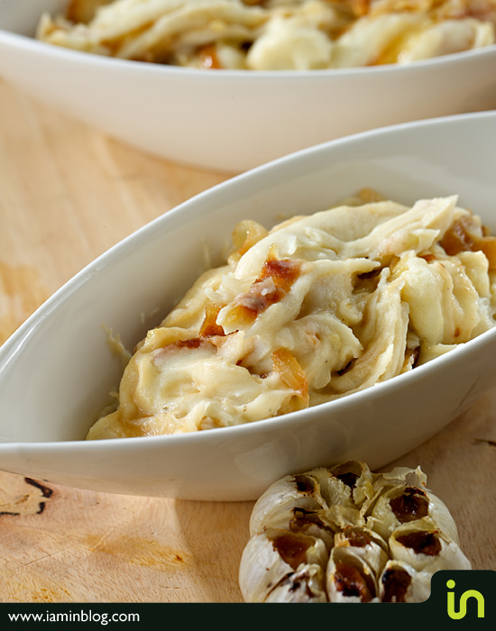 Mashed Potatoes With Roasted Garlic and Caramelized Onions