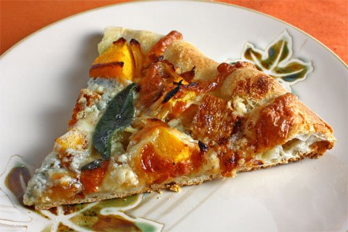 Mediterranean Pizza With Caramelized Onions