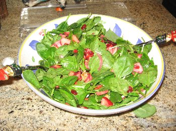 Mixed Greens with Apples and Walnut Vinaigrette