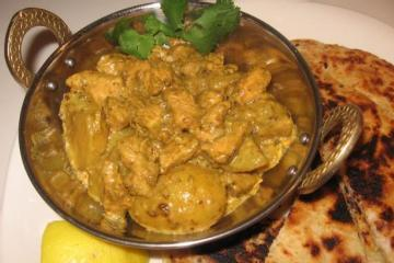 Murghi Aur Aloo ( Chicken and Potato Curry)