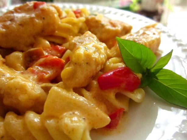 Pasta with Chicken and Pepper Cheese Sauce