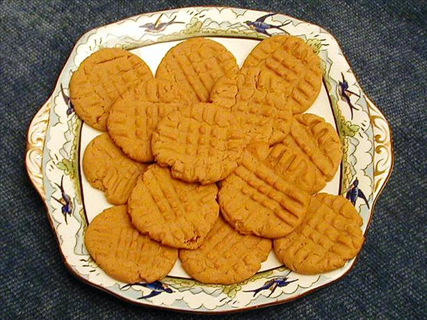 Peanut Butter Cookies With Cayenne
