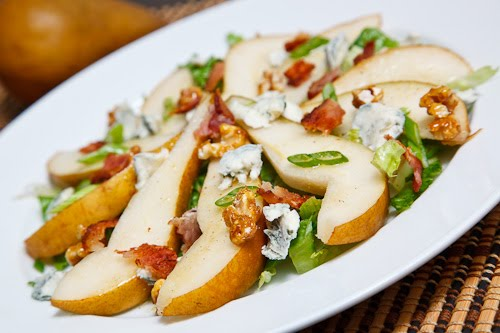 http://recipegreat.com/images/pear-and-gorgonzola-salad-05.jpg