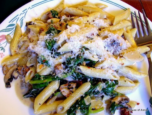 Quick and Easy Penne With Sausage, Mushroom Cream Sauce