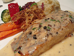 Rockin' Salmon With Creamy Herb Sauce