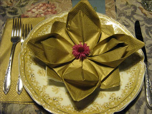 Serviette/Napkin Folding, Marie