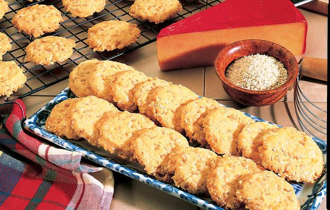 Sesame-Cheese Crispies