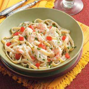 Shrimp Fettucinni Alfredo With Mushrooms and Tomato