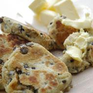 Singin' Hinnies - Northumbrian Tea-Time Griddle Cakes/Scones