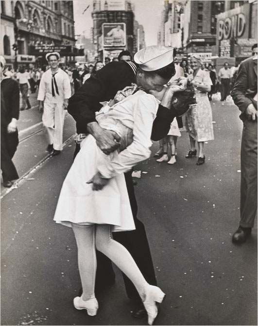 Soldiers Kisses