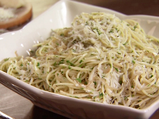 Spaghetti With Herb Sauce