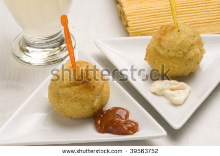 Spanish Tapas Potatoes in Garlic Mayonnaise