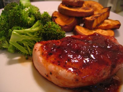 Spicy Peach-Glazed Pork Chops