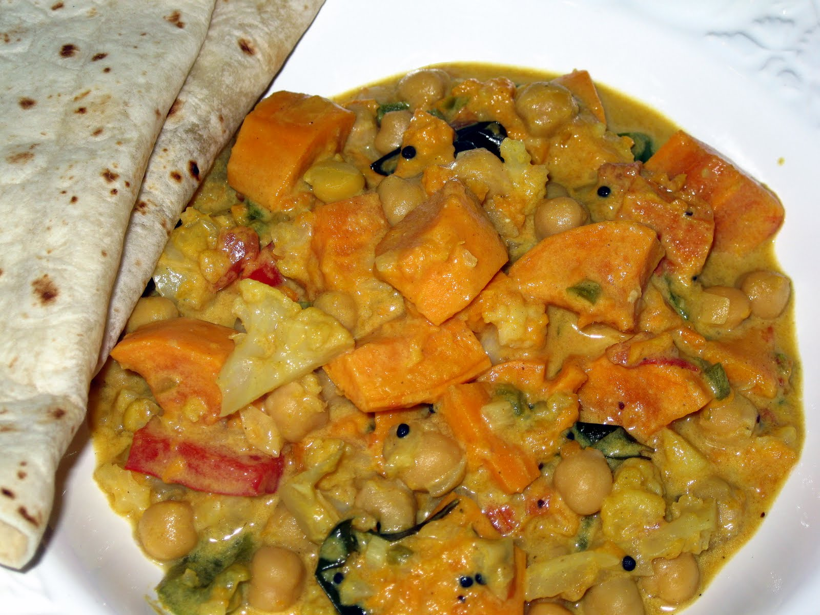 Sweet and Spicy Curry with Chickpeas