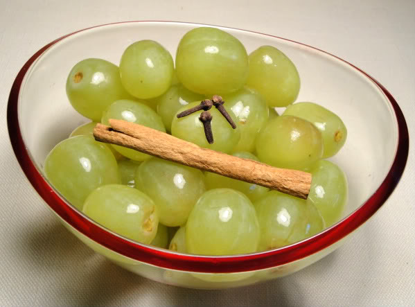 Sweet Pickled Grapes