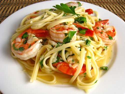 Tomato Shrimp Scampi on Fettuccine